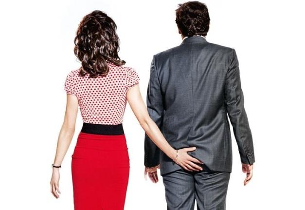 Sexo-Amor-e-Terapia-poster