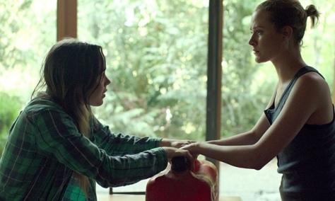 Ellen Page, em cena de Into The Forest, com Evan Rachel Wood